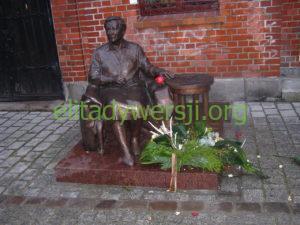 Elżbieta_Zawacka_pomnik_Torun-300x225 Elżbieta Zawacka - Cichociemna