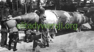 Rakieta-V-2-na-poligonie-w-Bliznie-300x166 Tajna broń Hitlera - V1, V2