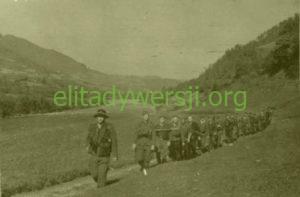 zolnierze-wilka-w-gorcach-lato-1944-300x197 Feliks Perekładowski - Cichociemny
