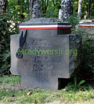 cc-Kotorowicz-grob-Powazki-300x333 Stanisław Kotorowicz - Cichociemny