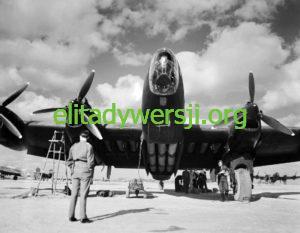 148_Squadron_Halifax_Italy_WWII_IWM_CNA_3231-300x233 Bajki o SOE...