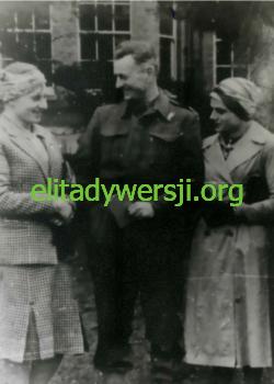 Fijałka-Hartman-Rybka_Audley-End-1942-250x350 Audley End