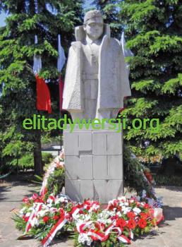 cc-Piwnik-pomnik-Wachock-258x350 Jan Piwnik - Cichociemny