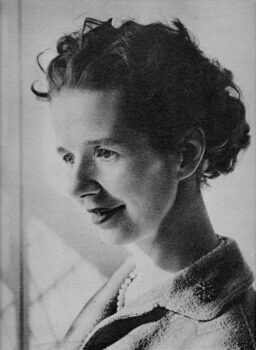 sue_ryder-1940-256x350 Sue Ryder