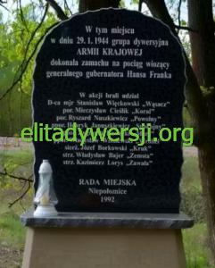 zamach-frank-pomnik-241x300 Ryszard Nuszkiewicz - Cichociemny