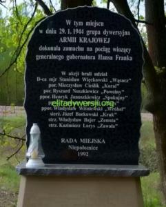 zamach-frank-pomnik-241x300 Zamach na Hansa Franka