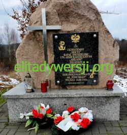 cc-Niedzielki-Rafal-pomnik-250x266 Rafał Niedzielski - Cichociemny