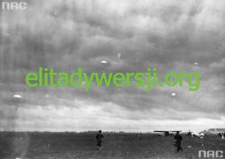 Skok-grupowy-Warszawa-pole-mokotowskie-1933png-250x177 Prekursorzy Cichociemnych